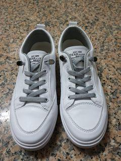 免綁鞋帶.平底休閒小白鞋.