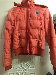 AE 保暖外套