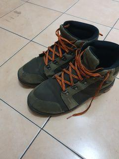 Boot eiger size 45 fit to 44