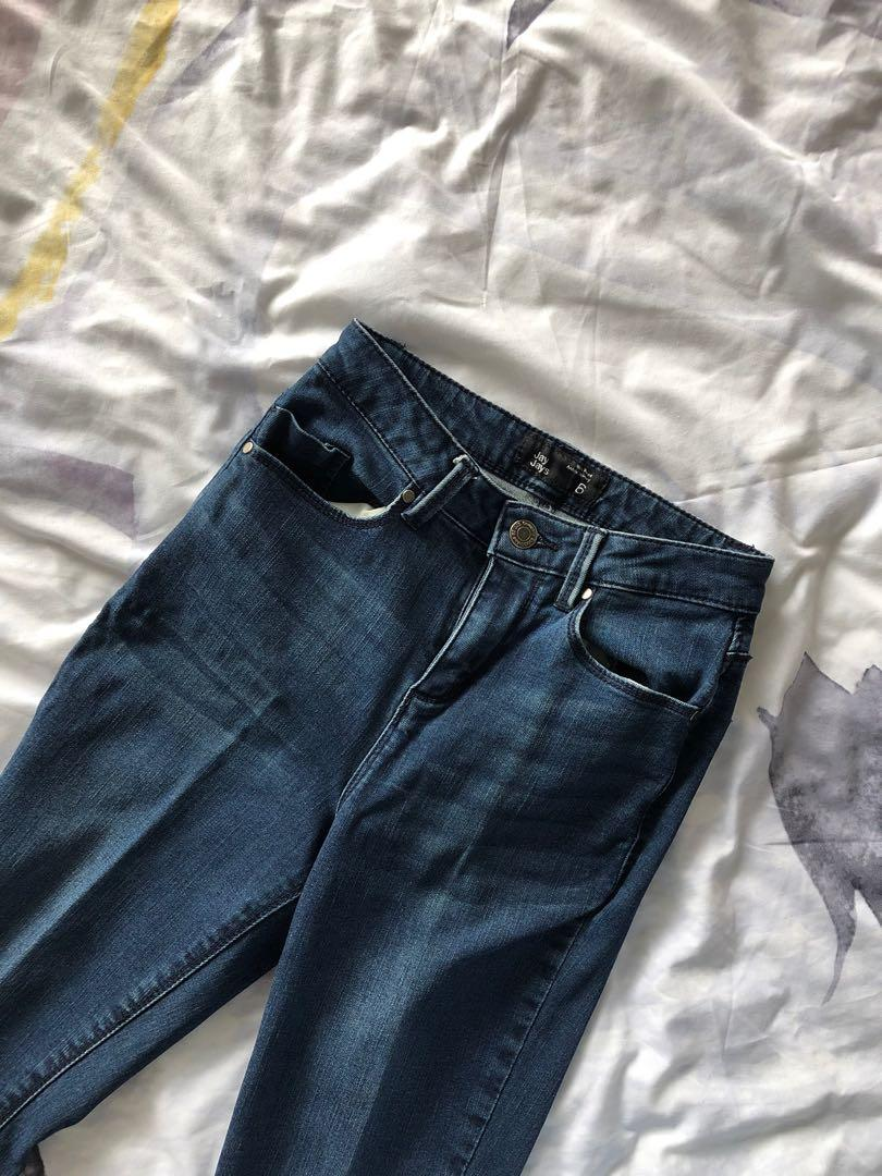 Size 6 denim jeans with zip ankle detail