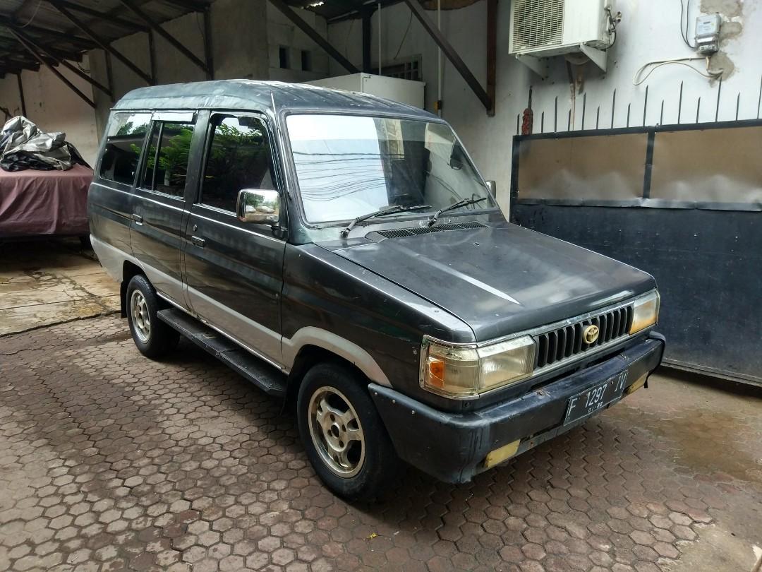 Toyota Kijang Kencana Tahun 1990