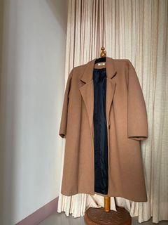 棕色大衣外套(討論保留中)