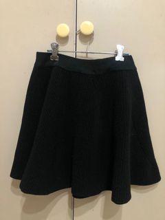 黑色毛短裙
