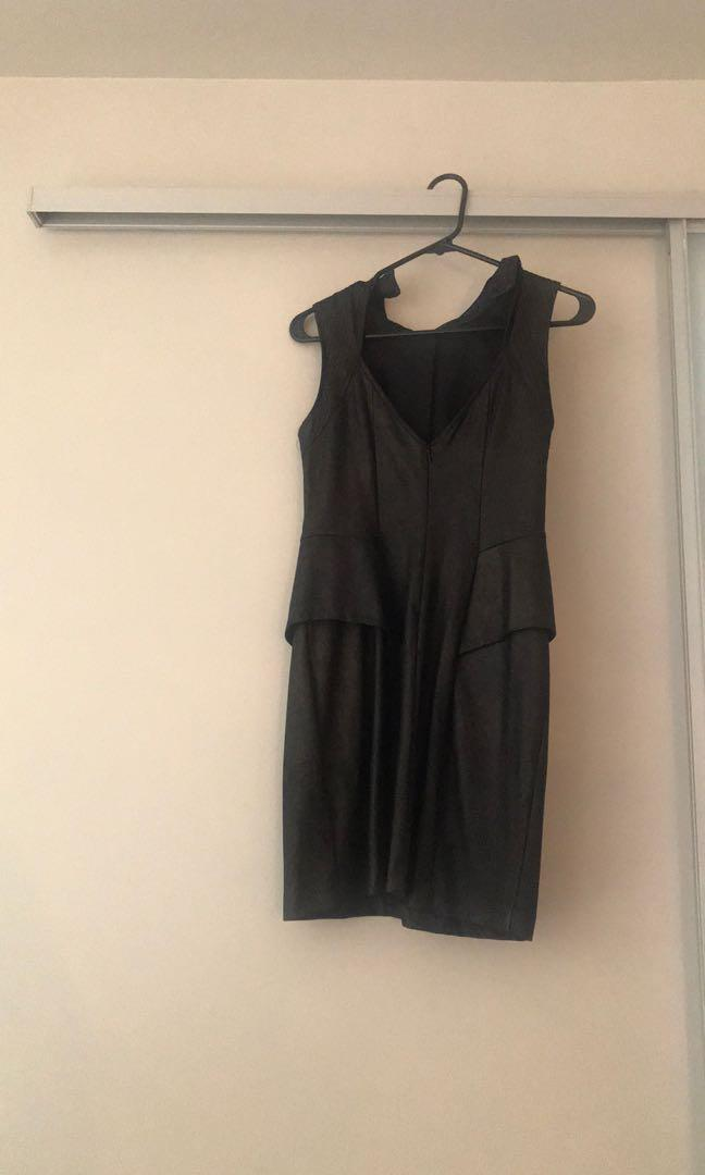 Black dress - GUESS