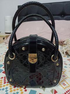 Gucci vintage black round bag
