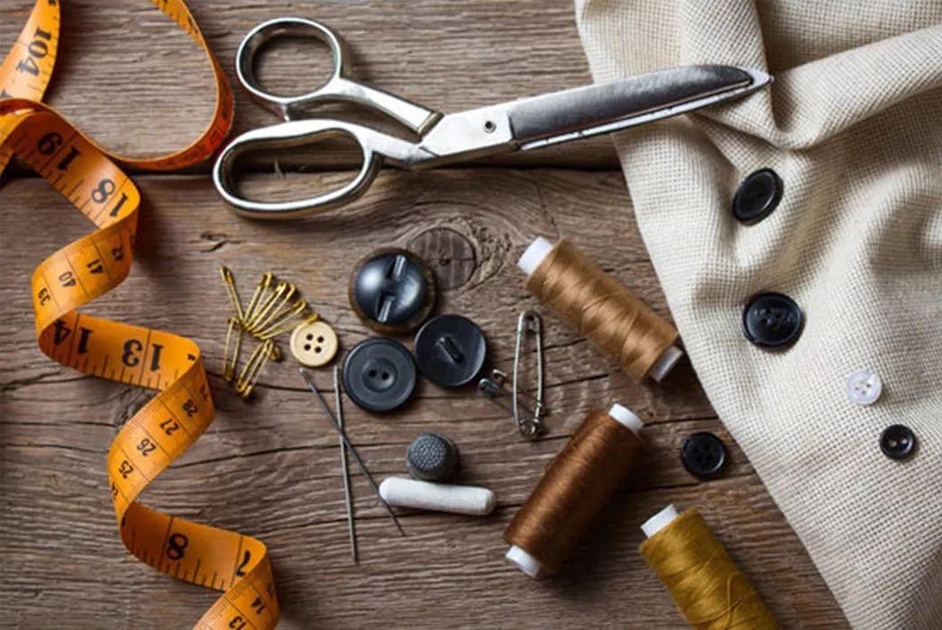 LOOKING TO HIRE: SEAMSTRESS / TAILOR