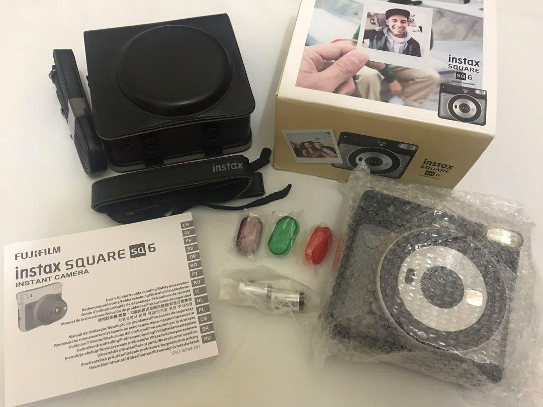 Fujifilm Instax SQ6 (Square Format) - Graphite Grey