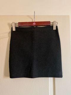 深灰色薄毛尼窄裙M號(伸縮褲頭)