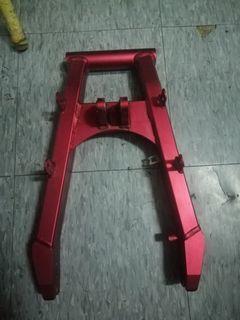 stock inskey swing arm,stock rear fender,stock plate holder....2000nts take all