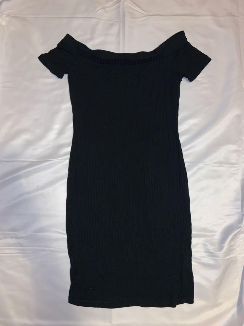 Black off the shoulder Bodycon Dress