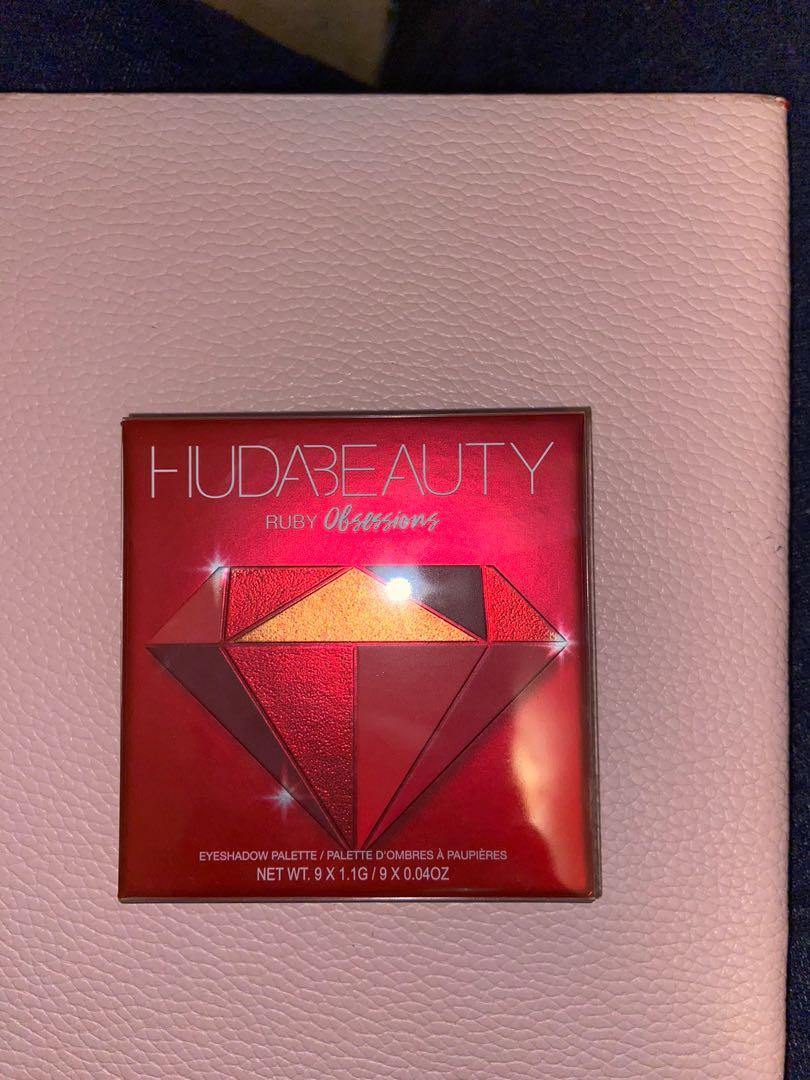 HUDA BEAUTY RUBY OBSESSIONS