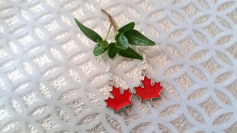 Red maple leaf earrings - maple leaves - Maple leaf charm jewelry - leaf jewelry - Canadian enamel maple leaf earrings - Canada jewelry