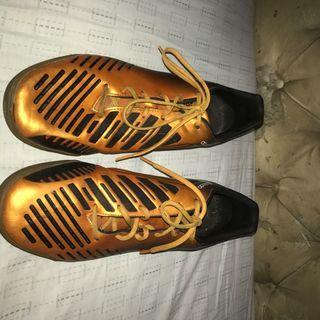 Sepatu futsal/sepatu bola/ sepatu olahraga  adidas predator original