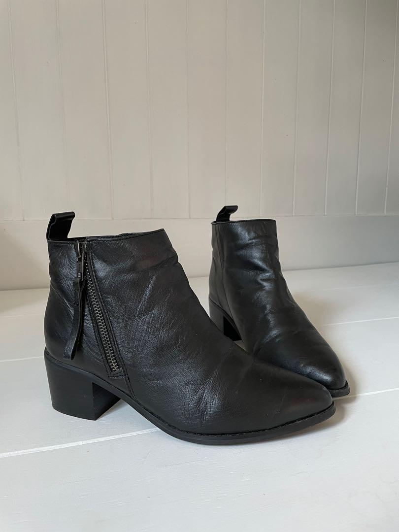 Women's Boot Size 6 'Limited Edition'