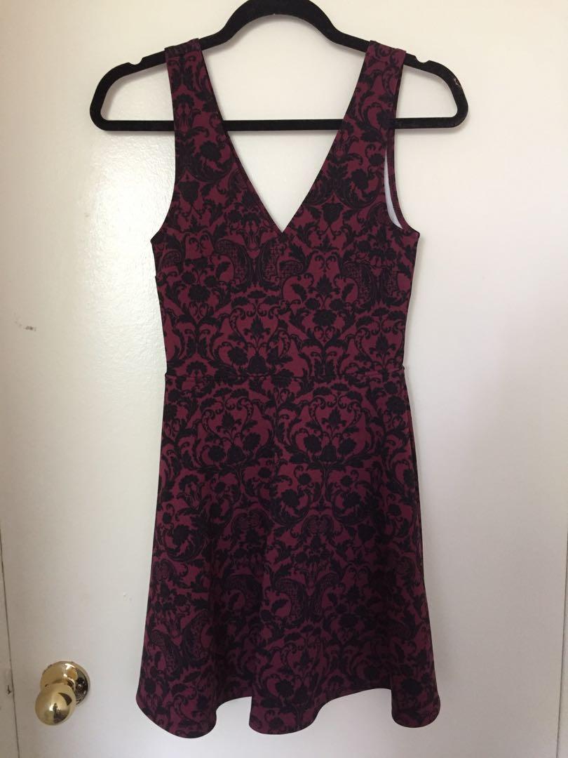 Women's evening dress sleeveless burgundy