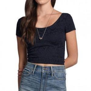 Women's navy blue crop top