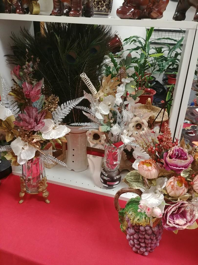 $15 each table flowers