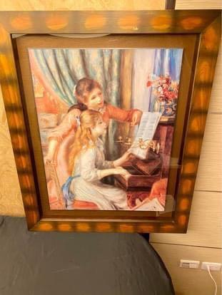 家裡就是畫廊:經典名畫雷諾瓦畫作 Pierre Auguste Renoir- 彈鋼琴的少女Young Girls at the Piano