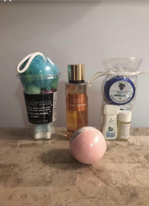 Bath bomb and mist set