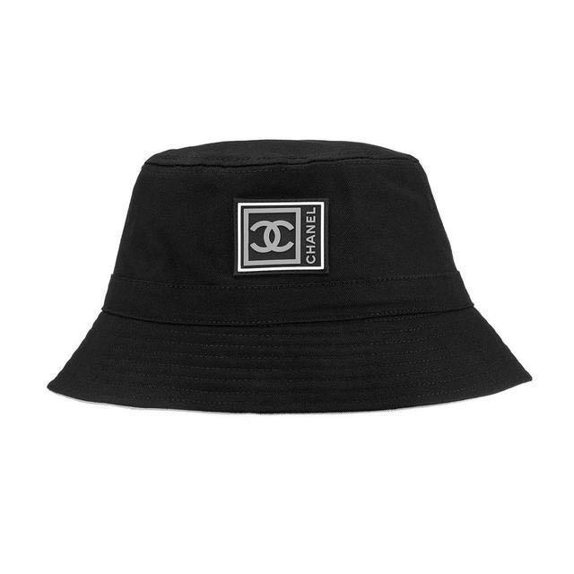 Bianca Kourt bucket hat