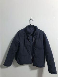 Brandy Melville navy puffer jacket