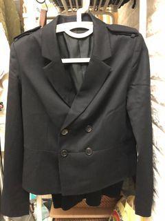 Izzue 短身西裝外套