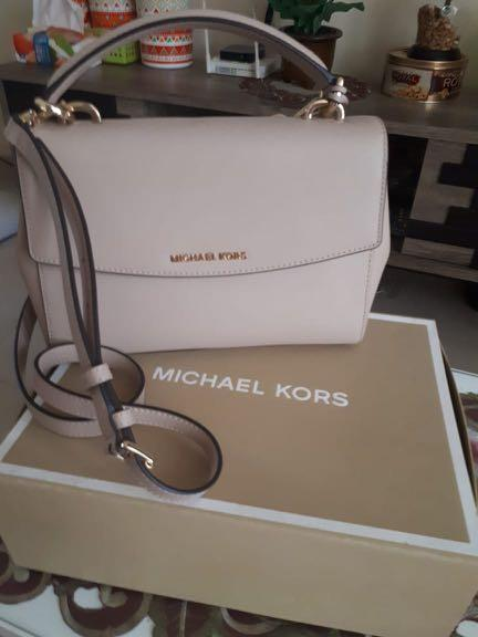 Michael Kors Ava Size Medium