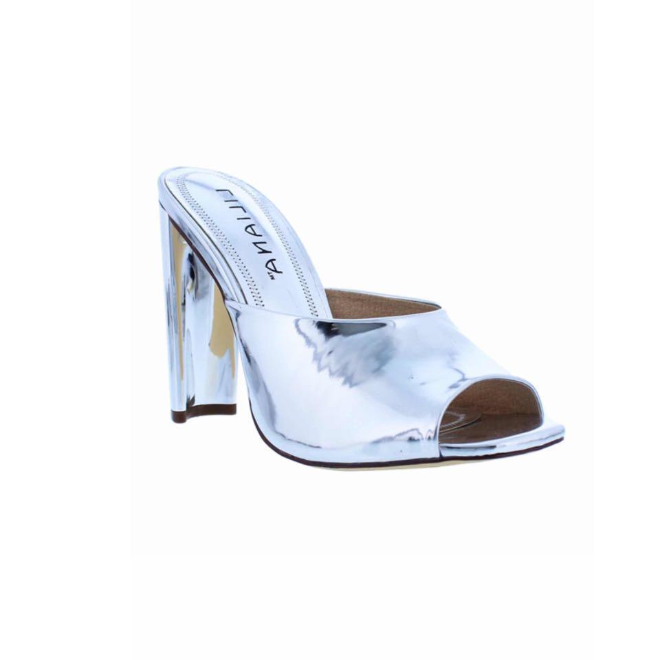 New Liliana Daline Mules in Silver Size 6, 9 & 10
