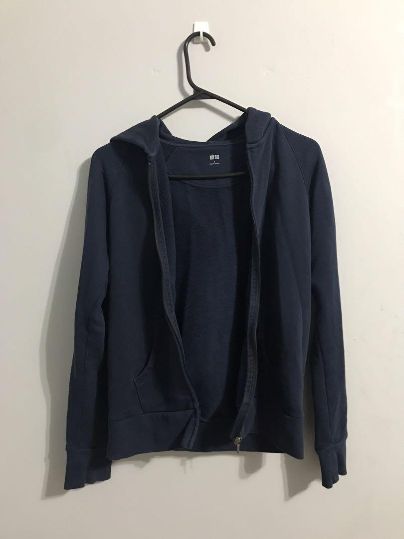 Uniqlo navy zip up hoodie