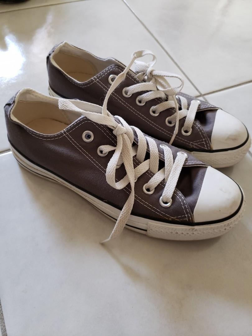 Converse - Size 7