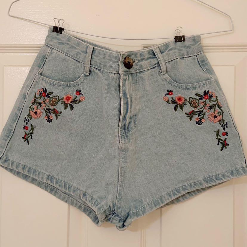 Flora embroidery Jean shorts