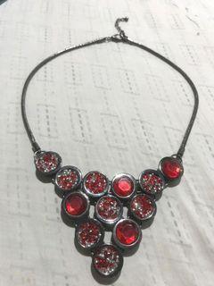 Kalung Merah wanita + gratis hadiah tas cantik senilai  20RB