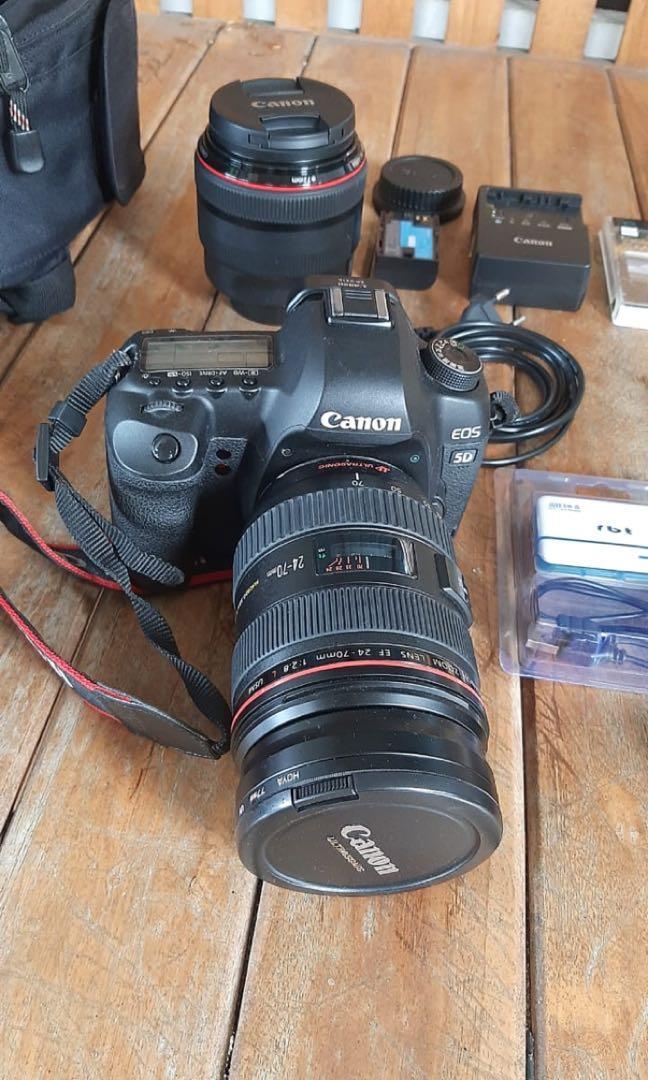 sepaket canon eos 5d mark ii dan 2 lensa  dll, belinya total 90jt