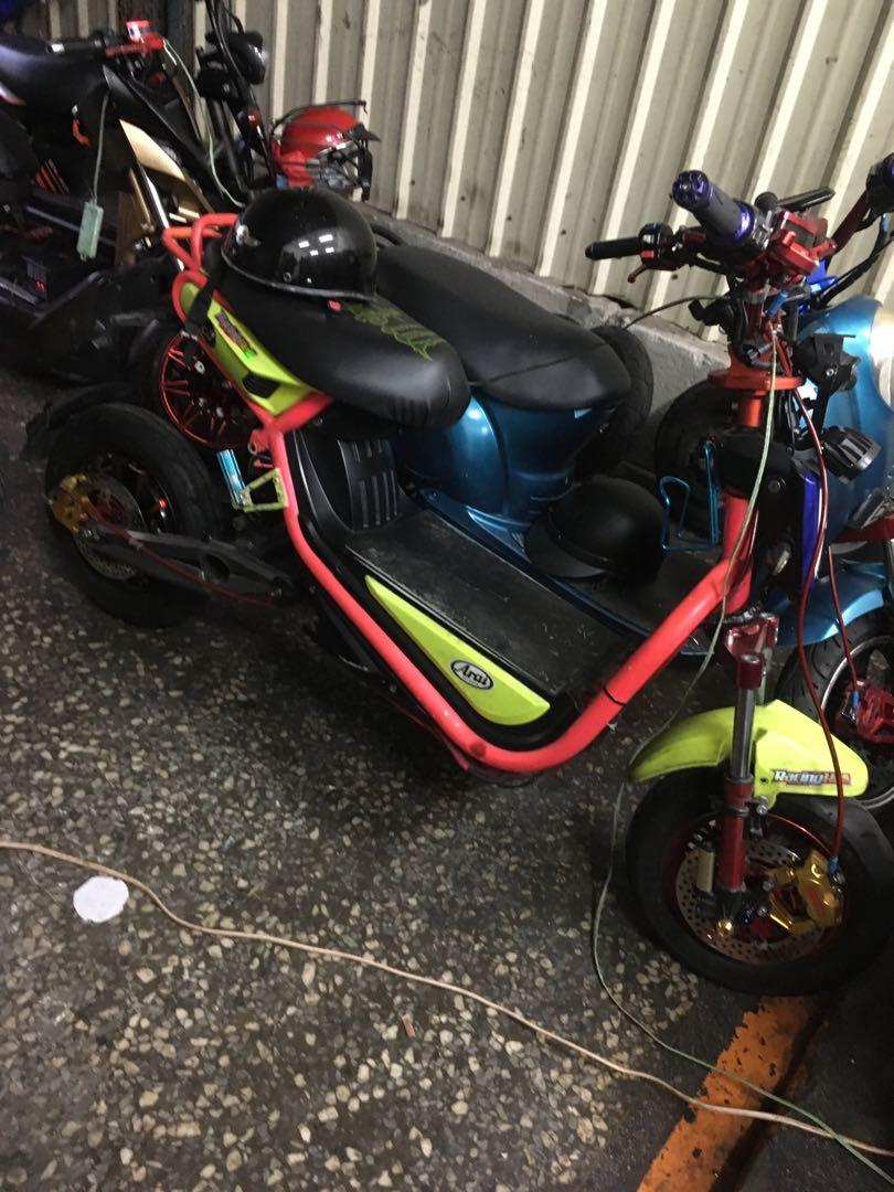 Sepeda listrik batre 6
