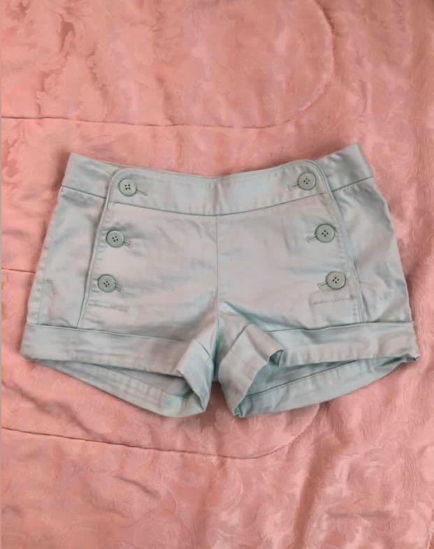 Aritzia talula shorts