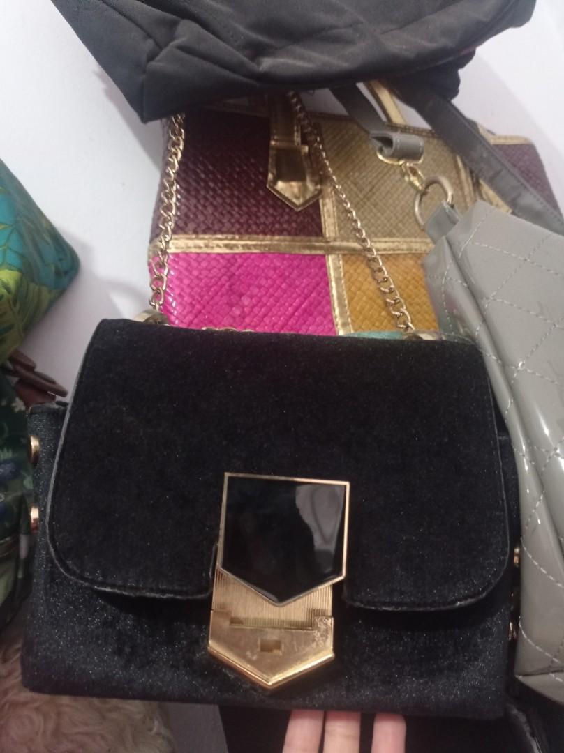 bludru Sling Bag
