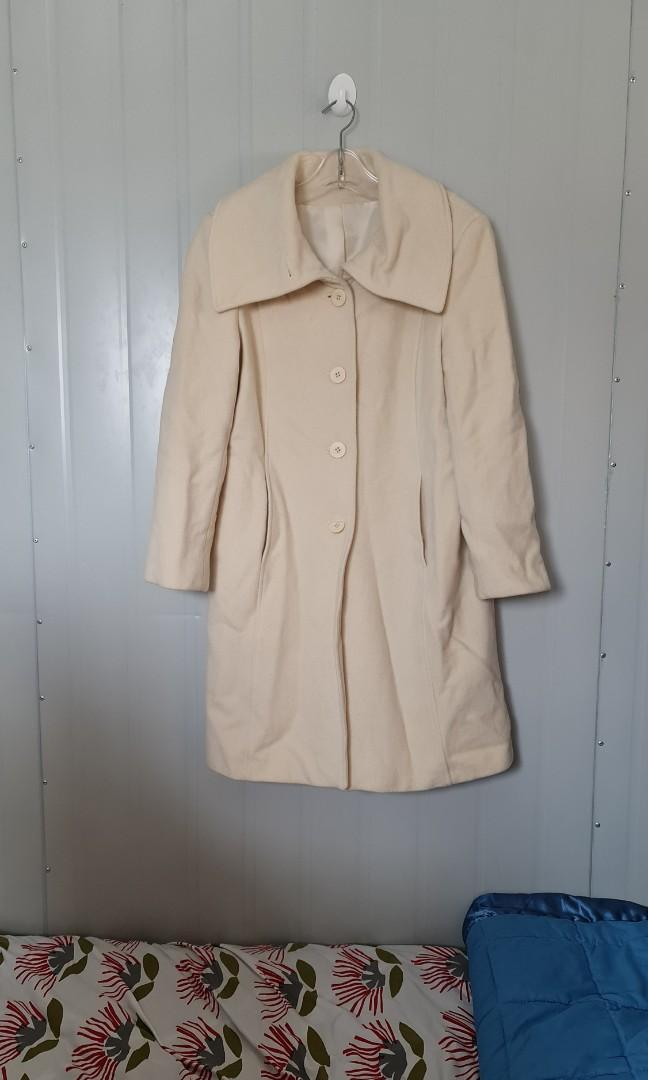 Genuine wool and cashere coat
