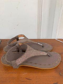 Sandal brown