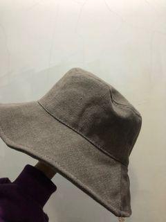 灰色漁夫帽