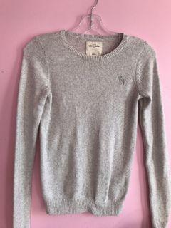 Abercrombie grey sweater (kids size XL)