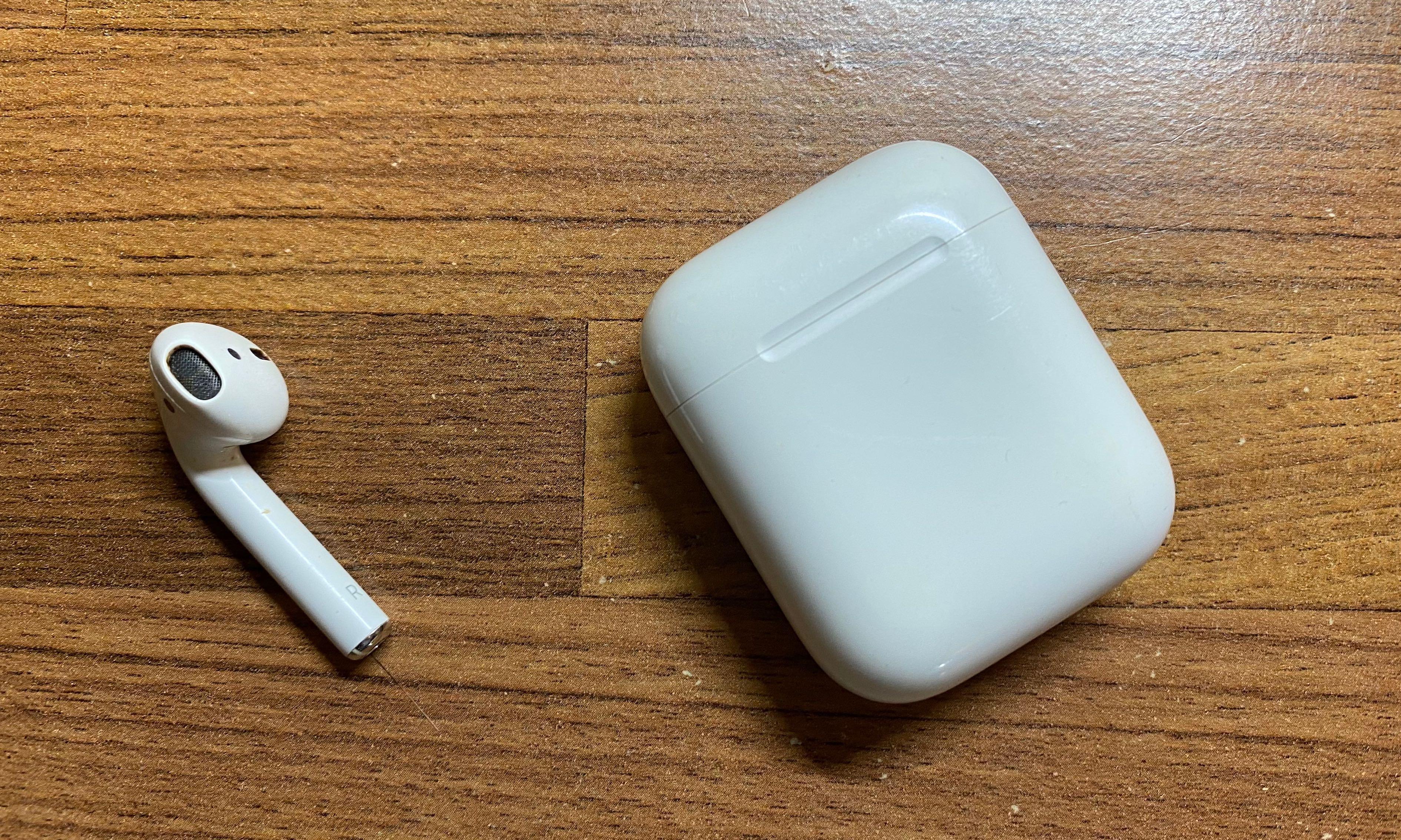 二手第一代AirPod充電盒、右耳(可分開售)