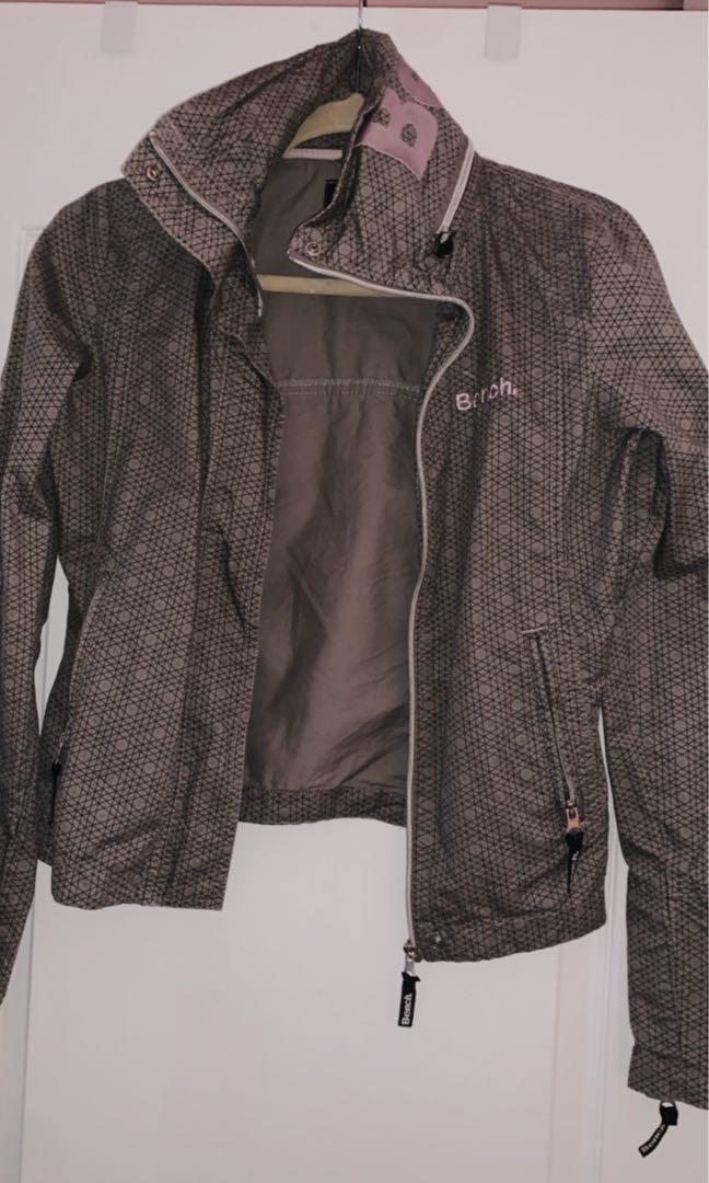 Bench purple sign jacket size S