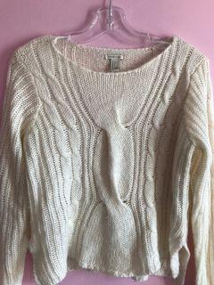 F21 white sweater size S