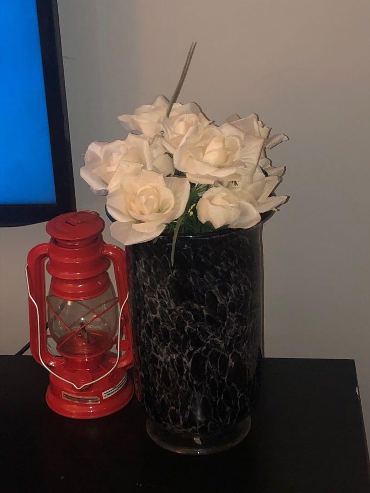Flower vase black marble
