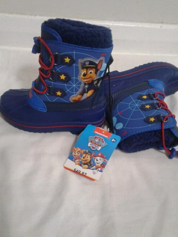 New brand, Size 9, Disney Toddler winter boots.