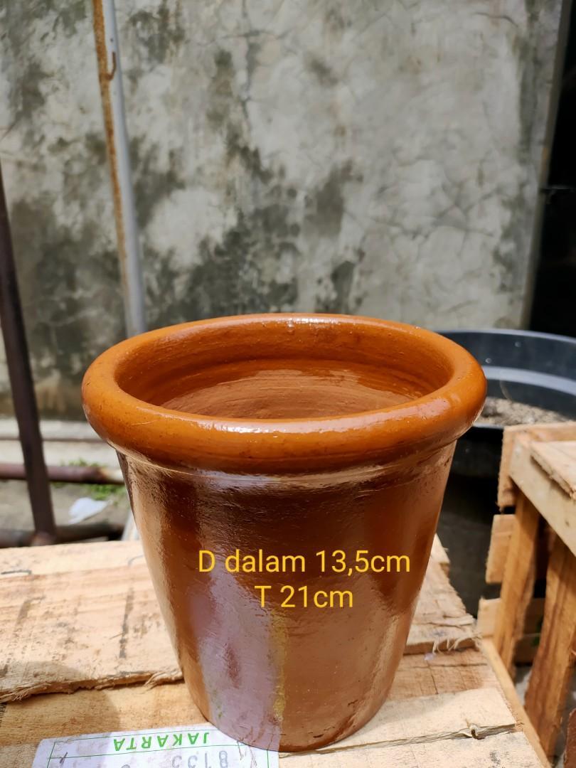 Pot tanah liat B-3