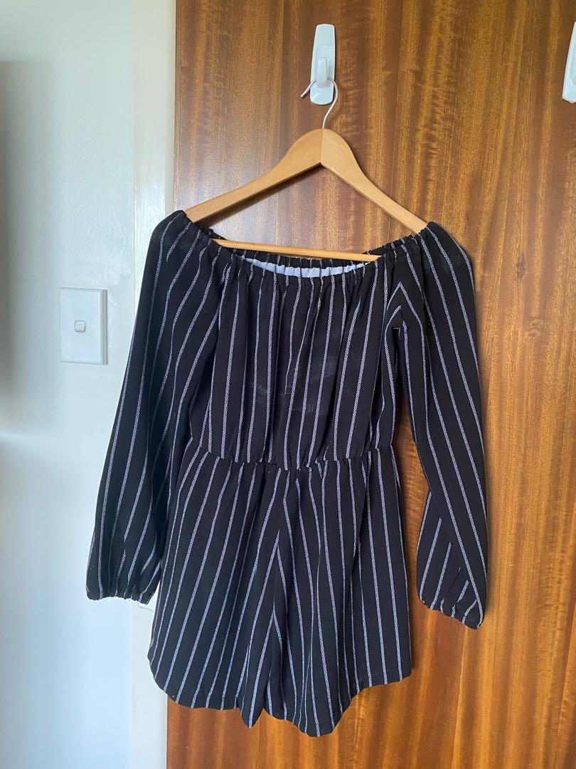 Pretty Little Thing - Black & White off shoulder playsuit