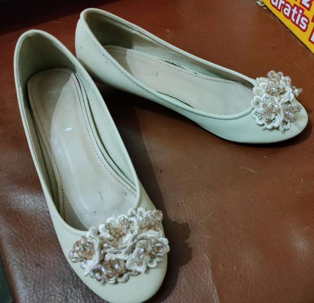 Sepatu heels Pavillion