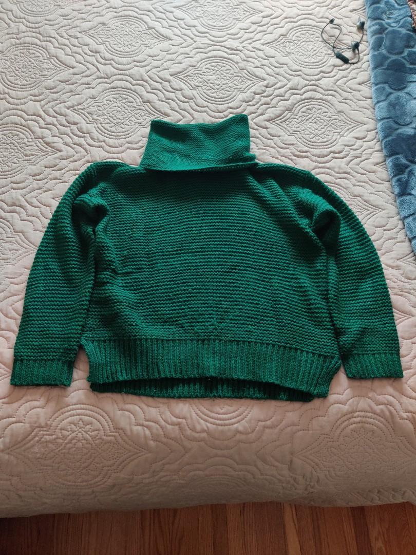 Women's Green Sweater