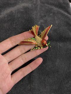 西洋飾品  紅雀 造型立體別針
